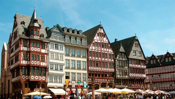 Frankfurt: La pequeña Manhattan europea.