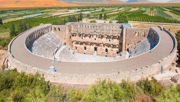 Aspendos: Su teatro romano, uno de los mejor conservados.