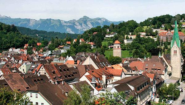 Feldkirch: Ciudad fronteriza dominada por su castillo.