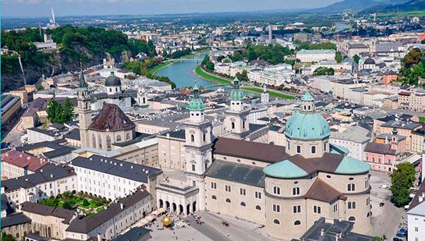 Salzburgo: La música respira entre las piedras, los puentes y la naturaleza.