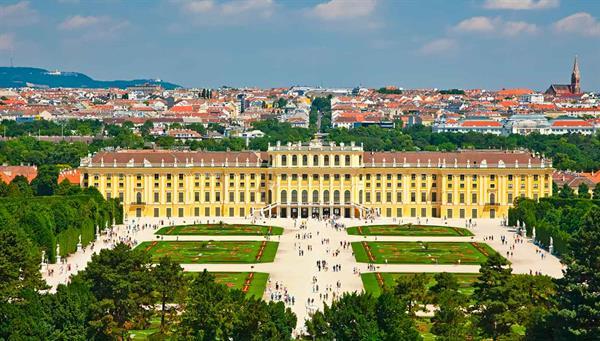 Viena: Monumental a ritmo de Vals.