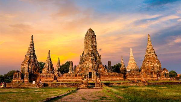 Precioso Templo en el Parque Histórico de Ayutthaya, Tailandia, Patrimonio de la Humanidad