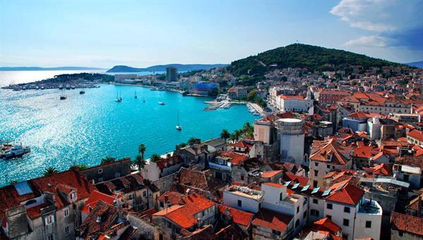 Split: Puerto marítimo de la costa Dálmata.
