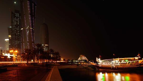 Dubai: Cena y espectáculo en embarcación Dhow.