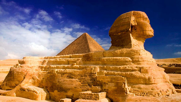 El Cairo: Pirámides Keops, Kefren y Micerinos.