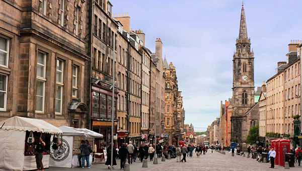 Edimburgo: Vista de la Royal Mile.