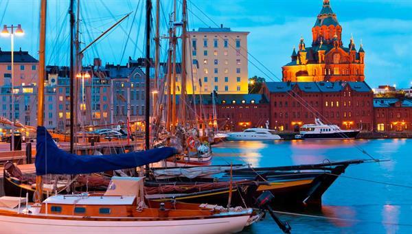 Helsinki: Vista del puerto.