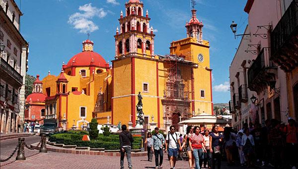Guajanato: Bellísima ciudad  universitaria declarada patrimonio de la humanidad.