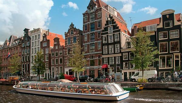 Amsterdam: Paseo en barco por los canales (opcional).