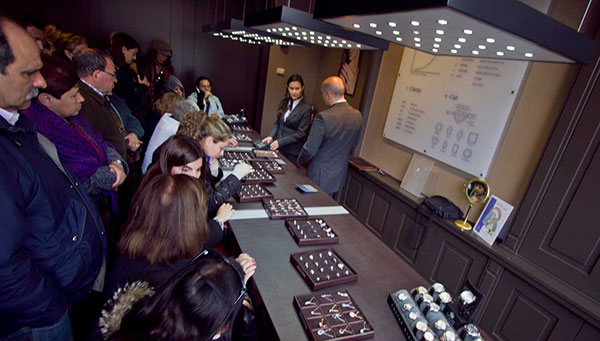 Amsterdam: Visitaremos la fábrica-museo de diamantes.