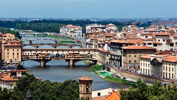 Florencia: Renacimiento puro en un paseo.