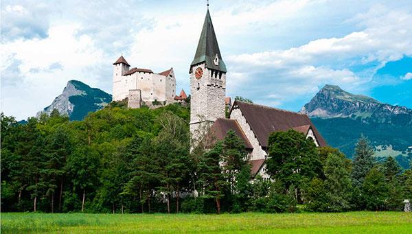 Vaduz: Sede del arzobispado de Liechtenstein e importante centro financiero internacional.