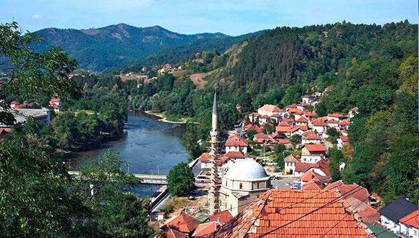 Maglaj: Un paseo por este pueblo bosnio.