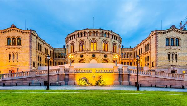 El parlamento noruego en Oslo, Noruega.
