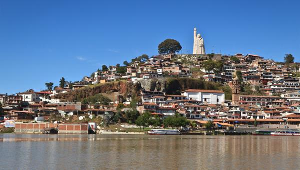 Patzcuaro: Bonita población colonial.