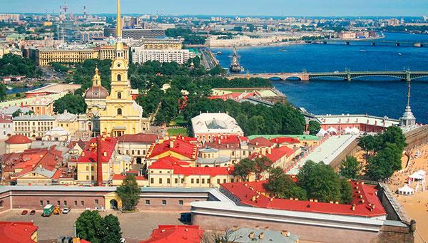 San Petersburgo: La cultura rusa, oriental y occidental unidas en una ciudad renaciente.