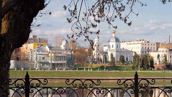 Tver: Importante centro industrial y de transporte.