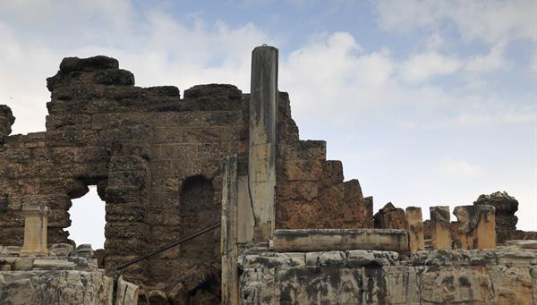 Side: Uno de los lugares históricos más conocidos de Turquía.