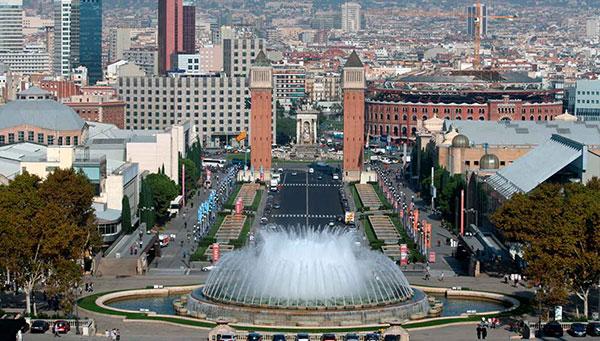 Barcelona: Mezcla de tradición y modernidad entre el mar y el cielo de Gaudí.