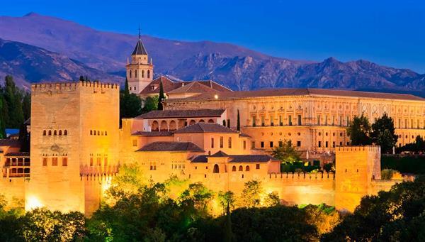 Granada: El embrujo de la ciudad encantada.