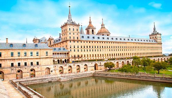 Monasterio del Escorial: Le brindamos la opción de visitar este famoso monasterio.