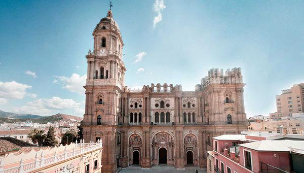 Málaga: La ciudad de Picasso bajo el embrujo musulmán.