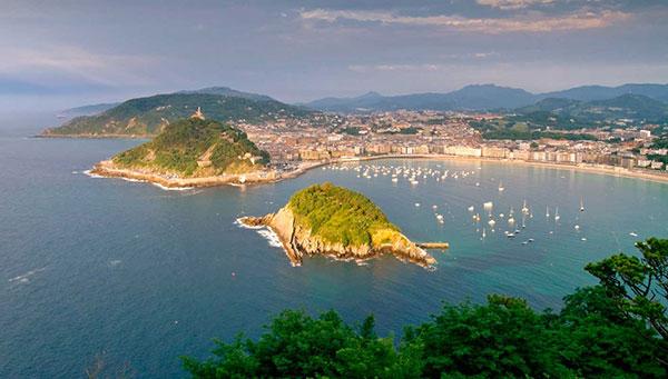 San Sebastián: Ciudad afrancesada del Atlántico…