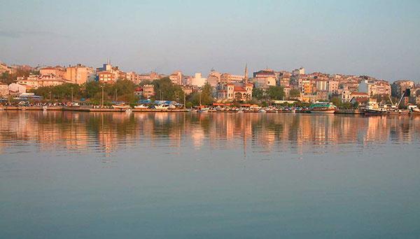 Bandirma: Pequeño puerto del mar de Marmara.